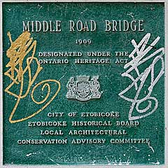Middle-Road-Bridge-sign